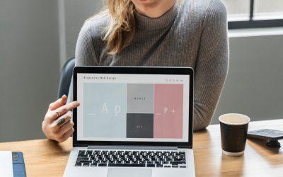 Web designer or website builder: Which should you choose?